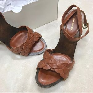 Banana Republic wood/leather heels